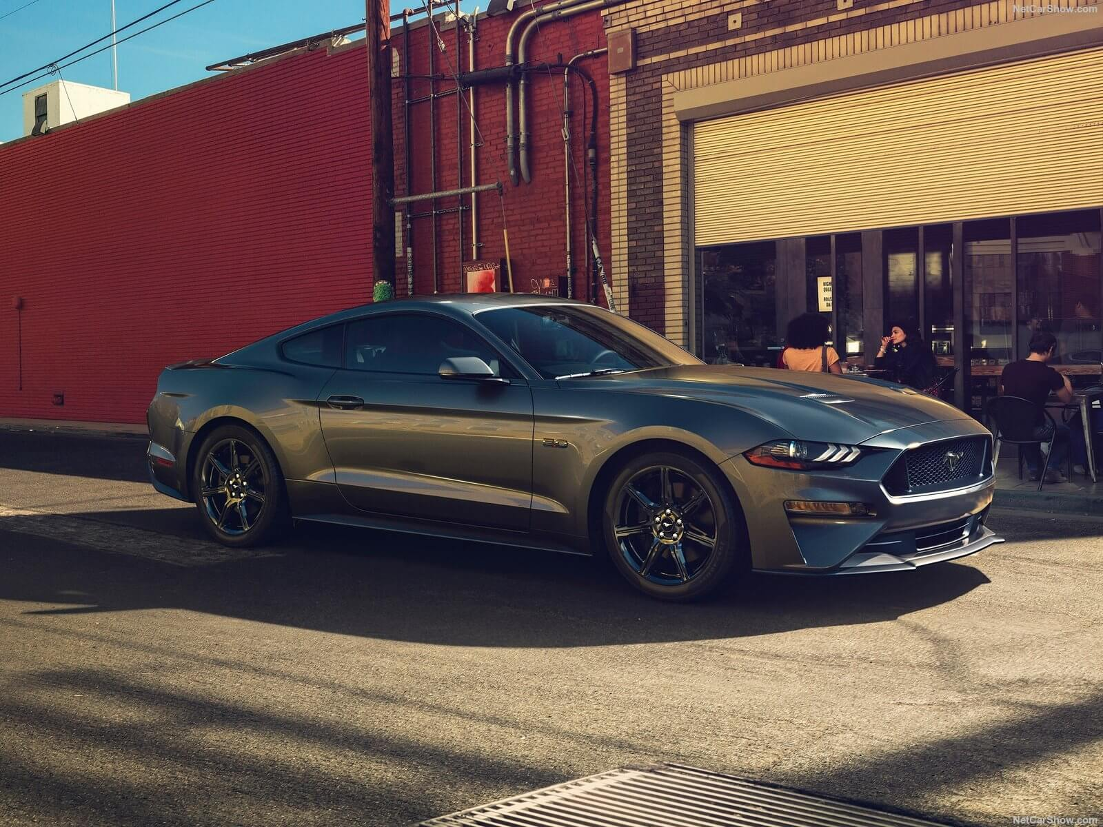 Ford-Mustang_GT-2018-1600-01