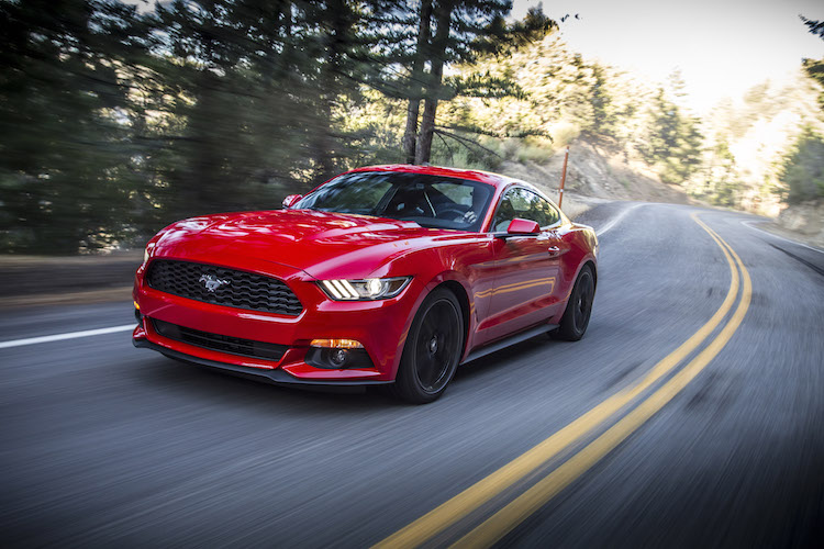 o carro do ano de 2015 pela MotorWeek Drivers' Choice Award