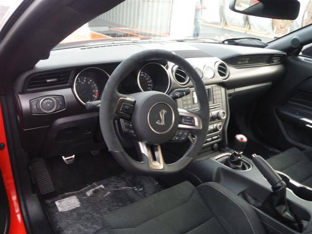Importação de carros Mustang GT 350